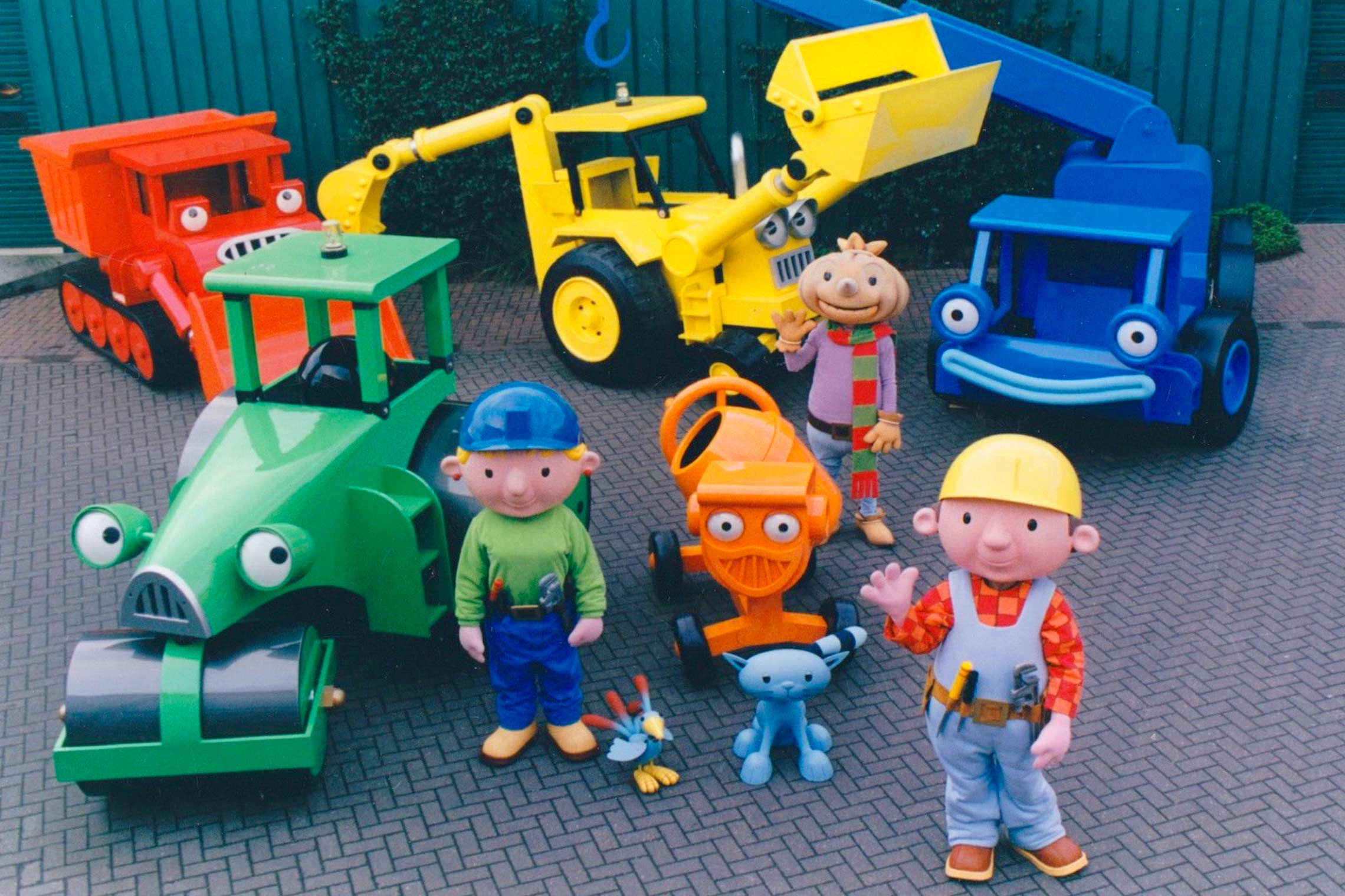 bob the builder live costumes and full sized character vehicles